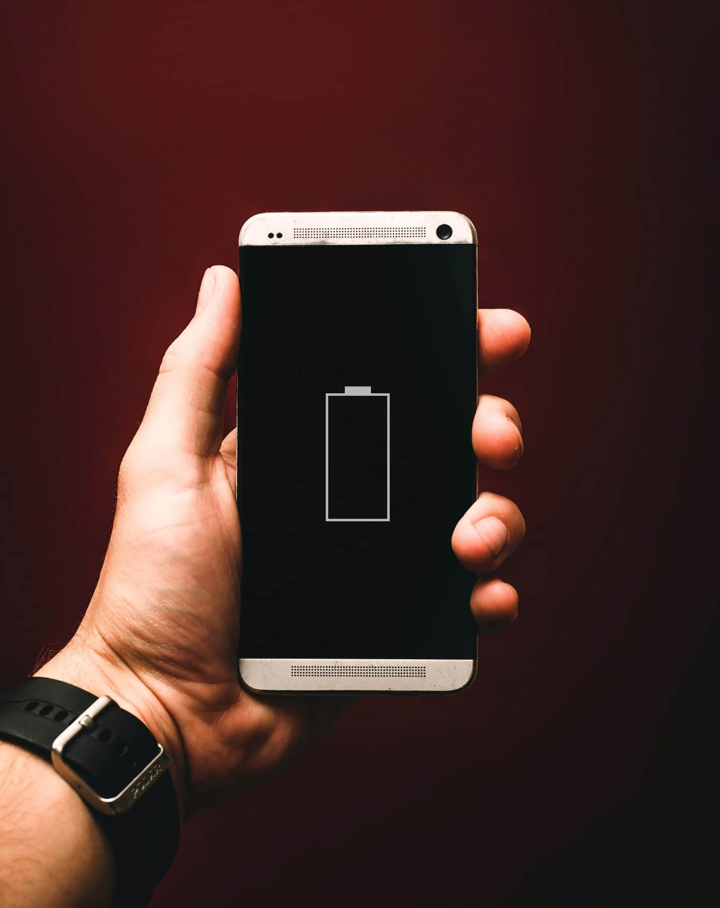 content/en-za/images/repository/isc/2020/9910/prolong-your-smartphone-battery-lifespan-1.jpg